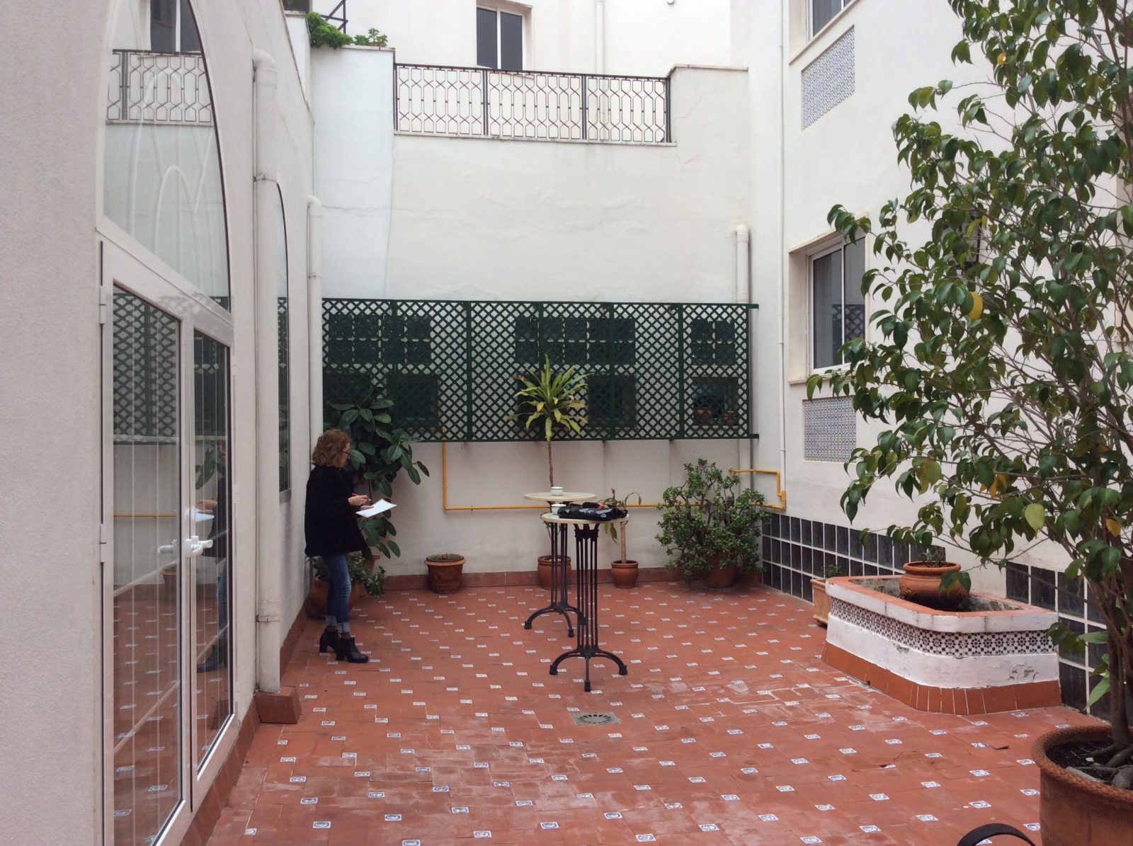 antes-patio-hotel-monte-triana