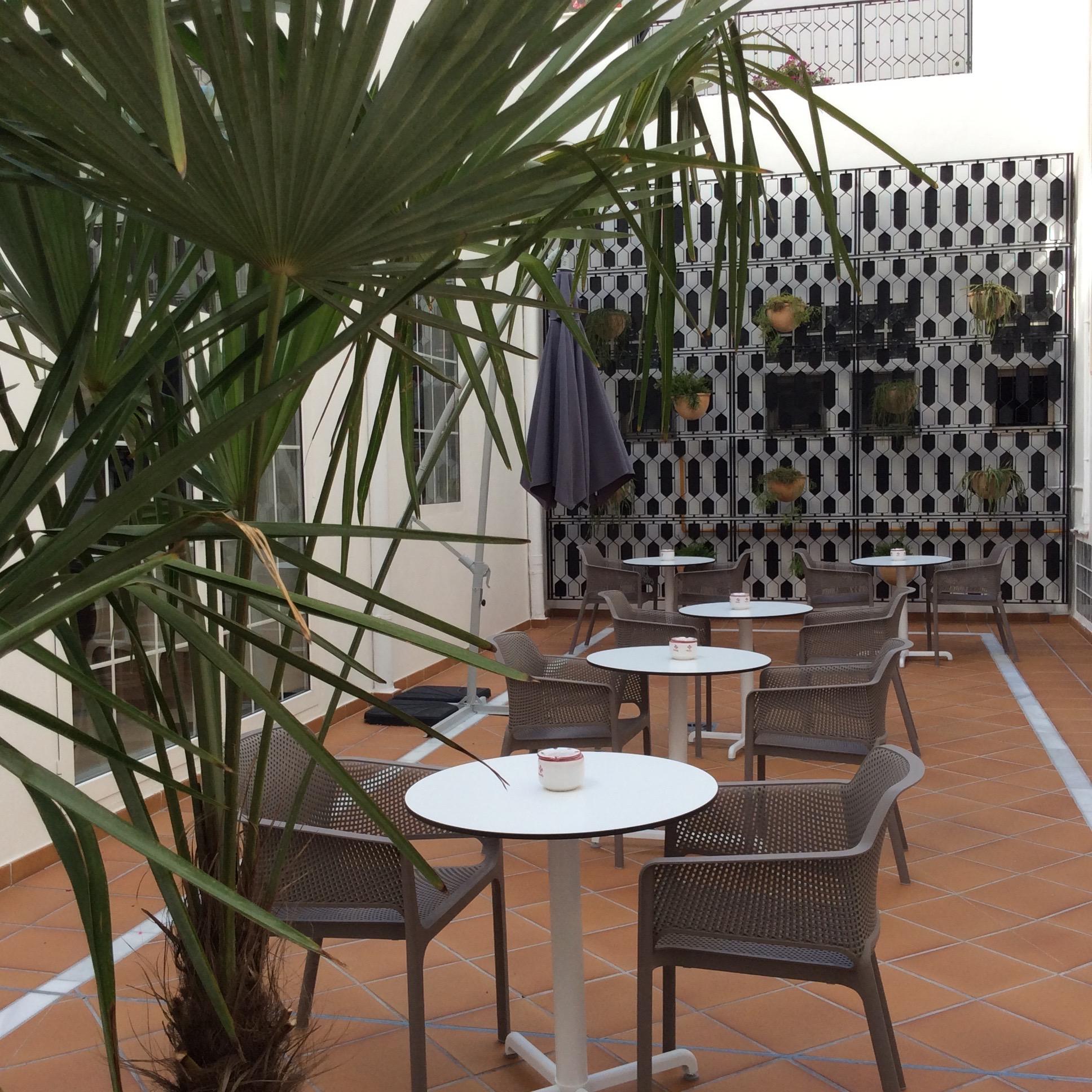 reforma-patio-hotel-monte-triana-sevilla