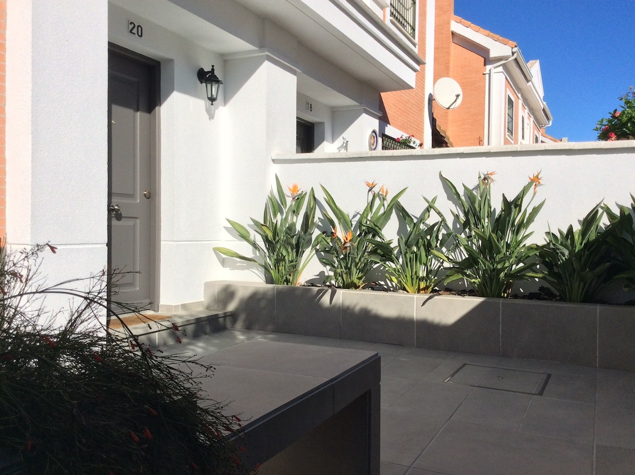 residencial montequinto sevilla exterior 04 - Una mirada hacia el jardín | Proyecto de integración de patio en salón y reforma de patio